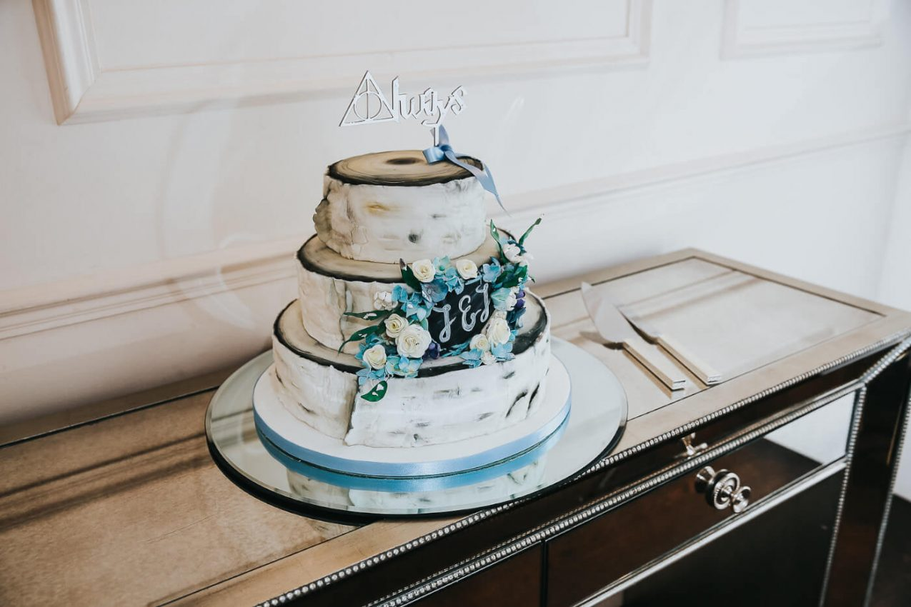 A RUSTIC STYLE WINTER WEDDING